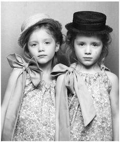 petit à petit and family  le carrousel http://blog.childphotocompetition.com/
