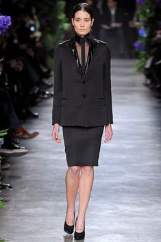 http://www.vogue.com/fashion-shows/fall-2011-ready-to-wear/givenchy/slideshow/collection