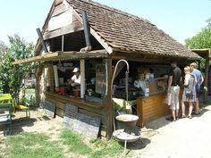 Liliomkert piac, Tóti Gazebo, Outdoor Structures, Cabin, House Styles, Home Decor, Kiosk, Decoration Home, Room Decor, Cottage
