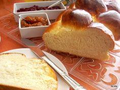 chałka, bułka, śniadanie, domowe wypieki Cooking Time, Cooking Recipes, My Favorite Food, Favorite Recipes, Polish Recipes, Polish Food, Bread Rolls, Biscotti, Good Food