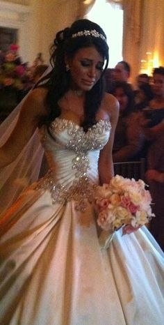 My future wedding dress :) Wedding Wishes, Wedding Bells, Bridal Gowns, Wedding Gowns, Wedding Attire, Dream Dress, Just In Case, Getting Married, Beautiful Dresses
