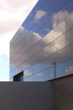 2005 Commercial Winner: Michael P. Johnson Design Studios featuring Marazzi tiles
