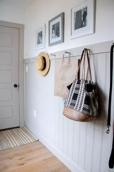 Feature Friday: Seeking Lavender Lane - Southern Hospitality - Mudroom wainscot with peg hooks Entryway Hooks, Entryway Decor, Cottage Entryway, Bead Board Walls, Mudroom Laundry Room, Decoration Entree, Entry Wall, Ship Lap Walls, Bungalow