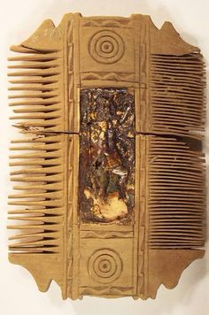 Roman comb.