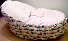 rosa claron con pajaritos multicolores