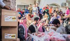 Die syrischen #Flüchtlinge erhalten täglich frische #Nahrungsmittel, wie Hühnerfleisch und frisches Brot. Foto: Jendar Khemesh/Help