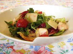 Receita Entrada : Salada com morangos e radicchio de Léia Silva
