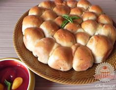 Pizzagolyók Hungarian Recipes, Scones, Pizza, Hamburger, Food, Breads, Drinks, Gastronomia, Bread Rolls