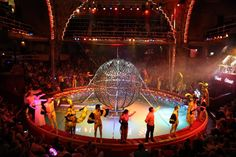Blackpool Tower Circus water finale | Daisies & Pie
