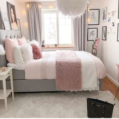 Bohemian Minimalist with Urban Outfiters Bedroom Ideas Bedroom. - Frida Rath - Bohemian Minimalist with Urban Outfiters Bedroom Ideas Bedroom. Bohemian Minimalist with Urban Outfiters Bedroom Ideas Bedroom Goals! Room Ideas Bedroom, Small Room Bedroom, Home Decor Bedroom, Bedroom Furniture, Bed Room, Decor Room, Bedroom Inspo, Small Bedroom Ideas For Girls, Teen Bedroom Inspiration