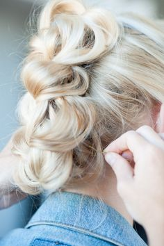 How To Do Easy Hairstyles With Hair Tools