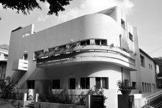 Soskin House, Tel Aviv, Israel by Ze'ev Rechter (1933) - photo by Shmuel Browns