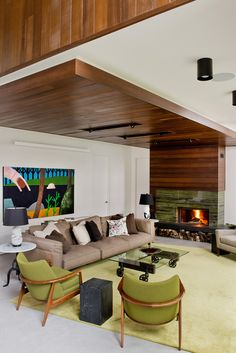 CHALET LAC GATE - BOOM TOWN, living room, green, fireplace