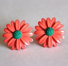 Daisy earrings in orange and green by Bunnys on Etsy, $18.00