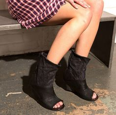 Enhance your boring black style to these super cool  amp  edgy, open-toe 839f619df3ac