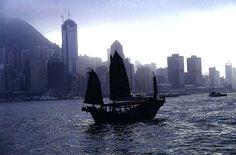 Chinese-Real-Estate-Investors-Buying-Hong-Kong-Luxury-Real-Estate.jpg 573×377 pixels