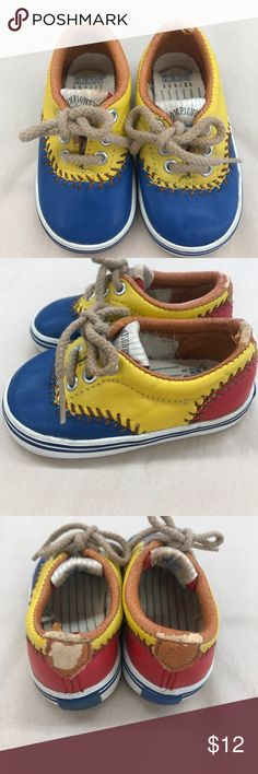 ✨Vintage✨ Baby Baseball Keds 1992 Series 4 Vintage 1992 Championship Series baby baseball keds, size 4M, pretty good condition, some of the leather is flaming off around the edges, super cute Vintage Shoes Baby & Walker