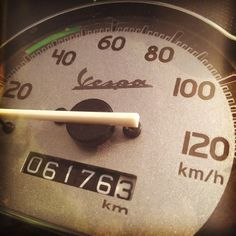 The speedometer of a Vespa!! You can easily stay in control while riding a Vespa coz it lets you easily understand that you are exceeding the speed limits if you do go fast! You can easily know it unless like the high-end bikes like the FZ etc.. #vespa #vespagram #harekrsna7495 #speed #meter #speedometer #fast #dial #measure #measurement #velocity #movefast #drive #120km #kmph #kmphotography #vespamania #scooty #lovetoride