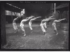 Séance de gymnastique pour ces fusiliers marins, le 11 novembre 1909.