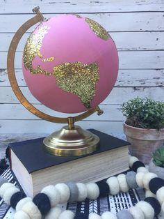 Globe Art, Globe Decor, Cute Home Decor, Easy Home Decor, Globe Crafts, Globe Projects, Painted Globe, Hand Painted, Glitter Globes