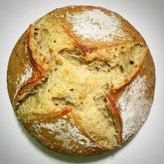 Pão de semolina e erva doce com fermentação natural