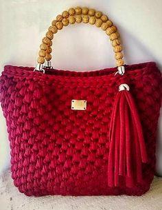 New Trend Crochet Bag Pattern and How to Make - Page 17 of 44 - crochet patterns, crochet patterns free, crochet patterns for beginners, knitting patterns, free crochet patterns Crochet Tote, Crochet Handbags, Crochet Purses, Diy Crochet, Bag Pattern Free, Bag Patterns To Sew, Crochet Bag Tutorials, Yarn Bag, Macrame Bag