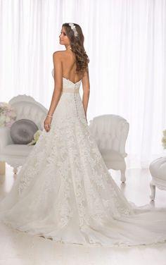 D1679 Vintage-Brautkleid aus Spitze by Essense of Australia