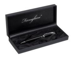 Luxusné guľôčkové pero s čiernym lakovaným povrchom. Pero má pochromované doplnky a je dodávane v čiernej darčekovej krabičke