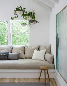 Window Seat in Dining and seating in master Built In Sofa, Built In Seating, Built Ins, Soft Seating, Hamptons House, Beach House Decor, Beach Houses, Scandinavian Style, Scandinavian Architecture