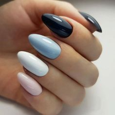 Semi-permanent varnish, false nails, patches: which manicure to choose? - My Nails Red Nails, Hair And Nails, Cute Nails, Pretty Nails, American Nails, Manicure Y Pedicure, Halloween Nail Art, Nagel Gel, Nail Decorations