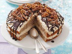 Kaffeecreme-Walnuss-Torte | Zeit: 50 Min. | http://eatsmarter.de/rezepte/kaffeecreme-walnuss-torte
