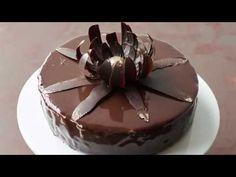 Legendary chocolatier Jacques Torres shares a video on how to make mirror chocolate glaze. Chocolate Glaze Recipes, Homemade Chocolate, Chocolate Ganache, Artisan Chocolate, Cupcakes, Cupcake Cakes, Chocolates, Chocolate Mirror Glaze, Glaze For Cake