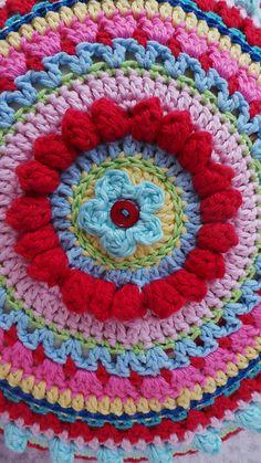 Ravelry: kerrypoos' moroccan mandala cushion  This was fun do do!....❥Teresa Restegui http://www.pinterest.com/teretegui/❥