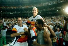 Mike Scott is carried by Jim Deshaies and Kevin Bass after his no-hitter over the Giants on September 25, 1986.
