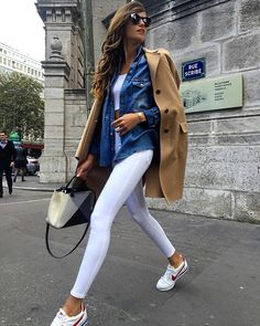 Izabel Goulart y los neutros ideales. Más https://women-fashion-paradise.myshopify.com/