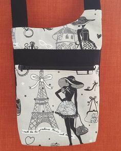 Valérie Garnier sur Instagram: Ma 1ere pochette en bandoulière finie! Modèle Bop de @patrons_sacotin