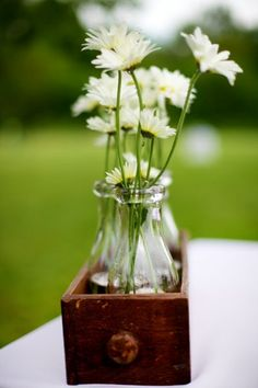 Rustic Shabby Chic Vintage Ivory White Centerpiece Centerpieces Spring Summer Wedding Flowers Photos & Pictures - WeddingWire.com
