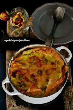 Lasagna con broccoli, cavolfiore e besciamella allo zafferano e stracchino