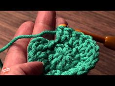 Crocheting Tip: Working in the Round Without Adding Extra Stitches with Linda Permann. Click: http://www.craftsy.com/ext/Pinterest_21_1