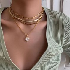 Shared by ƒαтσσмα🐼. Find images and videos about style, beauty and jewelry on We Heart It - the app to get lost in what you love. Nail Jewelry, Dainty Jewelry, Cute Jewelry, Gold Jewelry, Jewelry Accessories, Fashion Accessories, Jewelry Necklaces, Fashion Jewelry, Bracelets