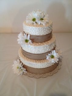 Daisies wedding cake