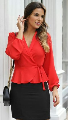 Outfits Con Camisa, Shirt Blouses, Shirts, My Wardrobe, Bell Sleeve Top, Crop Tops, Detail, Casual, Summer