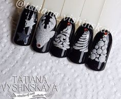 Expand fashion to your fingernails with nail art designs. Worn by fashionable stars, these nail designs will incorporate instantaneous allure to your outfit. Gem Nails, New Year's Nails, Shellac Nails, Hair And Nails, Nail Art Noel, Nail Art Diy, Christmas Nail Designs, Christmas Nail Art, Silver Christmas