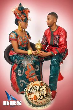 Des supers looks qui peuvent vous inspirer African Inspired Fashion, Latest African Fashion Dresses, African Print Fashion, Africa Fashion, African Attire, African Wear, Matching Couples, Matching Outfits, Africa Dress