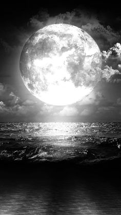 silver moon freeze the sea Night Sky Wallpaper, Dark Wallpaper, Silver Moon Wallpaper, Beautiful Wallpaper, Moon Pictures, Moon Photography, Black And White Aesthetic, Good Night Moon, Moon Magic