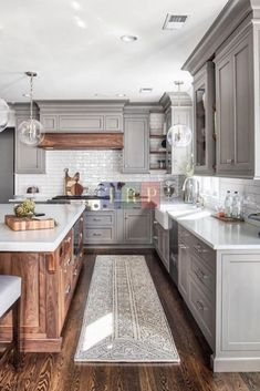Impressive and Different Kitchen Design Photos Will you redesign your own kitchen? Then you should look at these photos. These kitchen designs are very different. Some are very expensive, some are cheap. The colorful wooden kitchen models look… Farmhouse Kitchen Cabinets, Modern Farmhouse Kitchens, Rustic Kitchen, Cool Kitchens, Kitchen Cabinetry, Soapstone Kitchen, Small Kitchens, Kitchen Countertops, Farmhouse Style
