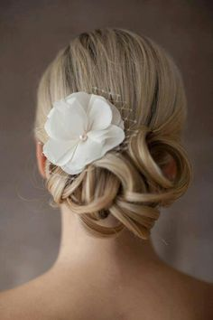 Wedding hair up do