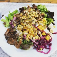 Mangiare #lecker #lunch #mittag #lowfat #lowcarb #lowcalorie #pilze #austernpilze #mushrooms #salat #Salad #mais #healthyfood #healthy #gesund #Gemüse #getfit #afterworkout #fitnessfood #fitnessfood #instafood #foodie #foodpic #foodporn #foodblogger by supermansfirstlady