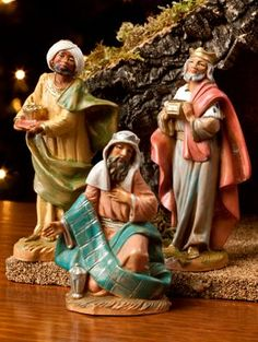 Fontanini Three Kings Figurines for Heirloom Nativity Set Christmas Nativity Set, Christmas Jesus, 12 Days Of Christmas, Vintage Christmas, Christmas Ideas, Christmas Crafts, Merry Christmas, Fontanini Nativity, Christmas Program