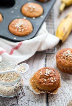 Breakfast muffins with banana and yogurt - Breakfast muffins with banana and yogurt. An easy, FAST (ready within 30 minutes) and healthy break - Yogurt Breakfast, Breakfast Muffins, Low Carb Breakfast, Breakfast Recipes, Banana Breakfast, Cake Recipes, Snack Recipes, Banana Nut Muffins, Healthy Summer Recipes